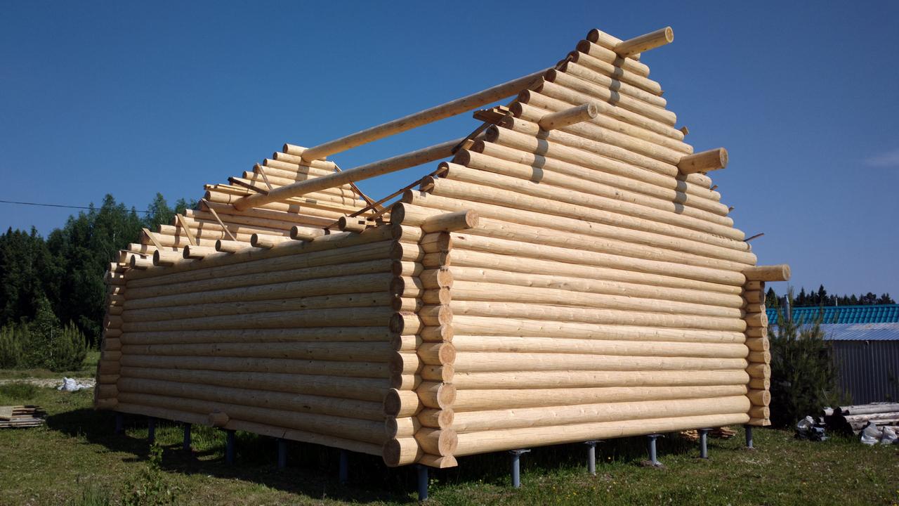 Как сделать крышу с рубленными фронтонами
